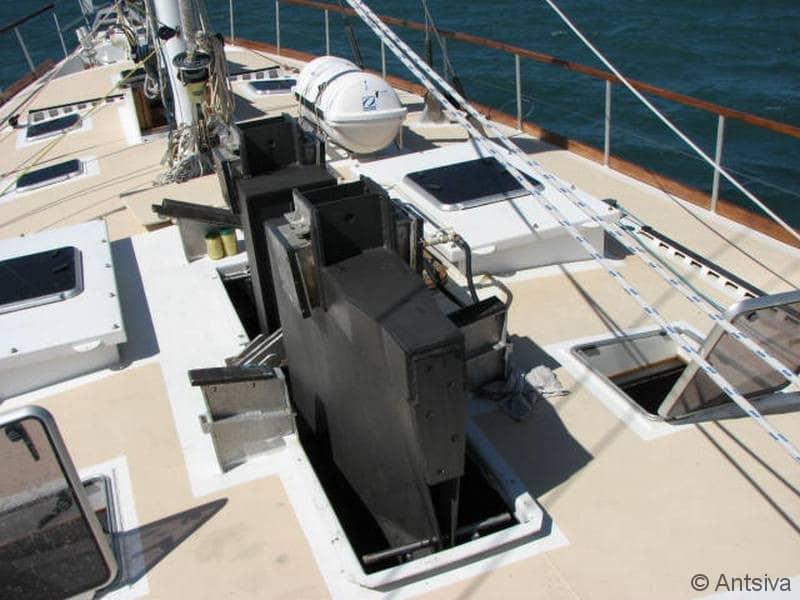 Quille du voilier d'exploration scientifique Antsiva à Madagascar